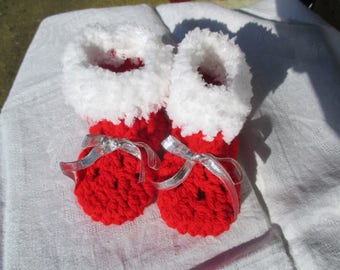 Christmas slippers 9 months 12 months crocheted red and white wool with Ribbon