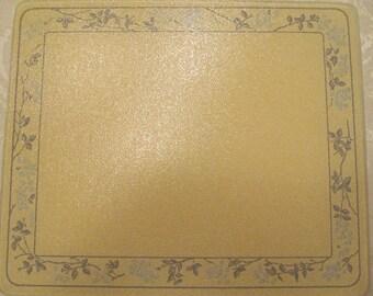 Corelle Cordinate   Countersaver   10''  x  12''   Glass Cutting Board