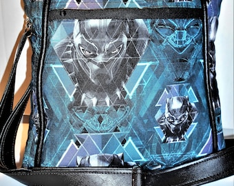 Marvel Comics Black Panther Cross Body Hipster, Black Panther Purse, Superhero Purse, Faux leather Black Panther, Action Hero Purse