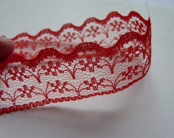 Very lightweight (34) fine red lace Ribbon