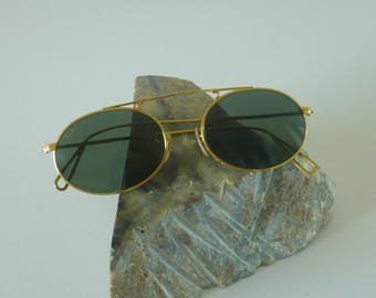 Vintage Ray Ban Bausch and Lomb round Arista Gold W1697
