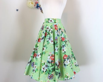 "90s Does 1950s Skirt - Green Floral Full Circle Skirt- Flare Midi - Pockets - Summer Spring - Rockabilly - Dancing - Size Medium - 28"" Waist"