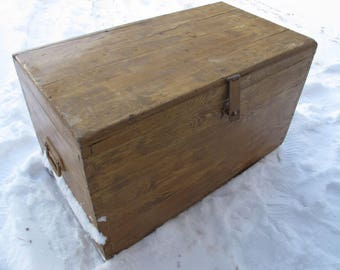 Primitive Painted Wooden Trunk Country Decor Storage Chest Distressed Wood  Large Box Blanket Chest Farmhouse Coffee Table