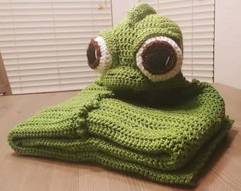 Crochet Pascal the Chameleon Hooded Blanket - cartoon costume hat - hooded blanket for boys - hooded blanket for girls