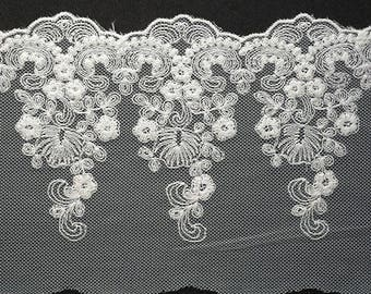 Embroidered Cotton Lace Trim 5 inch by 1-Yard, OFF WHITE, TR-11418