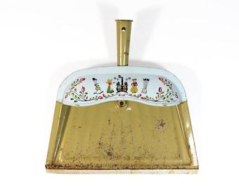 Vintage Tin Dust Pan