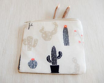 Make Up Bag/ Gift for Her/ Cactus Pouch/ Mothers Day Gift/ Gift for Mom/ Pencil Case/ Gift for Women/ Teacher Gift/ Best Friend Gift