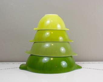 Pyrex Verde Nesting Bowls