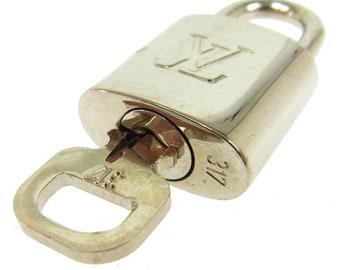 Authentic Silver Louis Vuitton padlock, Silver LV lucchetto,Lv bag,necklace lockit,Lucchetto originale Louis Vuitton,LouisVuitton gift #317