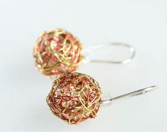 Minimalist earrings, drop ball earrings, threader, red gold, wire geometric shaped, short dangle earrings, Summer, sister bridesmaid gift