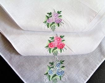 White Floral Embroidered Cotton Hankies Boxed Set of 3 Vintage Ladies Handkerchief Hankies Hanky Wedding Hankie Bridesmaid Gift UNUSED
