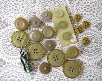 Vintage Olive Green Plastic Sewing Buttons Lot Turtle Golf Clubs Buttons