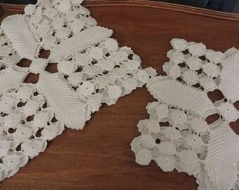 Crocheted Blocks   //   10 Count   //   White Cotton   //   Pretty Pattern