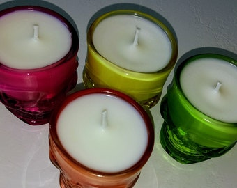 Set of 4 scented candles, candle holder skull