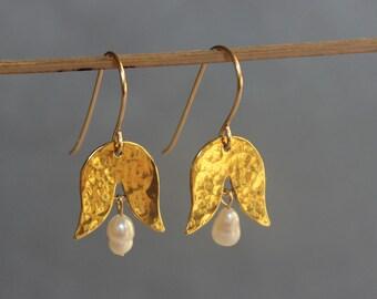 Gold drop earrings, Flower earrings, Dangle gold earrings with pearls, birthday gift for sister.