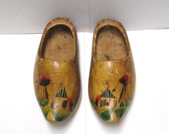 "Wooden Shoes 8"" Dutch Boy Holland Souvenir Vintage Wall Pocket Painted Carved Wood Shoes Child Size Wall Hanging Kitsch Amsterdam Large"