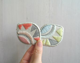 Embroidered brooches, embroidery pins, embroidery jewelry, pastel fabric brooches, textile brooch, fabric pins, contemporary jewelry