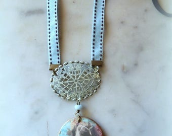 very sweet Romance of yesterday necklace