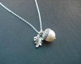 Bridesmaid Gift, Silver Necklace with Acorn Pearl, June Birthstone Necklace,  Pearl Necklace,  Bridal Necklace