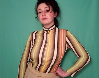 Multi Striped 1960s Long Sleeve Shirt with Triangle Zipper along front Size 4 Small