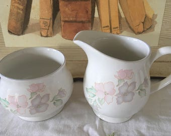 Vintage Sadler Romance Sugar and Creamer Set