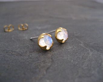 Moonstone stud earrings, round studs, rainbow moonstone, gold studs, rose cut jewelry, genuine gemstone, blue flash studs, 6 mm cabochon