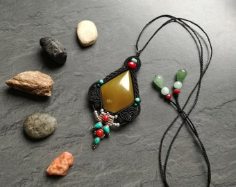 Macrame and onyx pendant