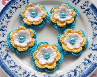 5 Crochet Flowers In White Yellow Turquoise  YH-031-05