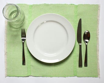 LYN Placemats | Set of 4 | Lime