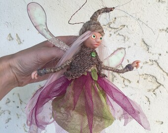 Pixie fairy with pink hair and magic powder, Ready to Ship, Poseable tiny fairy doll, Needle felted Soft sculpture, Polymer clay doll