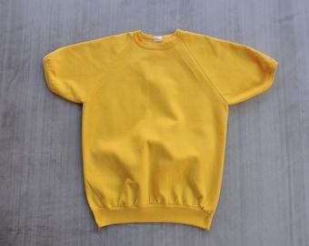 BEAT To HELL Rare Vintage Golden Yellow Pullover Short Sleeve 50/50 Sweatshirt M