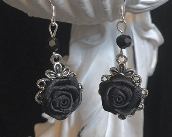 Gothic earrings with black satin rose in silver filigree version
