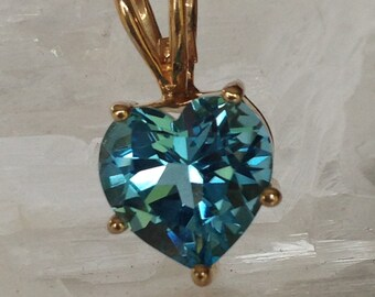 14kt Yellow Gold and Genuine Blue Topaz Heart Pendant roxxvintage1