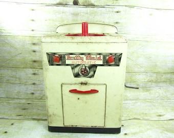 Toy Washing Machine, Windup Toy, Metal Machine, Vintage toy,