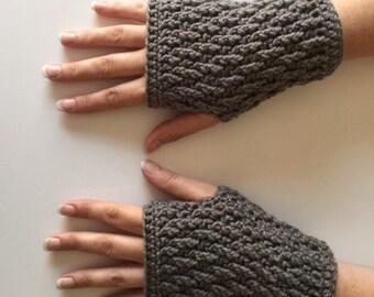 Crochet Fingerless Gloves   Grey   iGlove v1.0