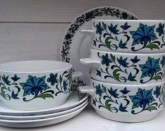 """4 Beautiful vintage Midwinter """"Spanish garden"""" soup bowls and saucers. Made in Staffordshire."""