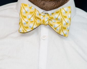 Bow Tie // Diamonds and Must(ard)