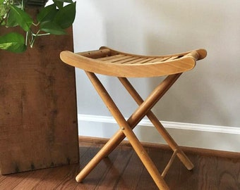Small Folding Stool / Wood Slat Bench / Camp Stool / Patio Furniture / Wooden Pop Up Seat / Vintage Wooden Stool / Garden Bench / Tot Chair