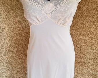 Vintage 1960s Vanity Fair Full Dress Slip In Beige