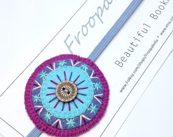 Bookmark - Book Lover - Book worm - Page Keeper - Embroidered Bookmark