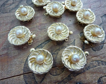 Clasp Box Clasp Vintage 2 strand Gold Pinch Style Clasp with Glass Pearl Accent (1)