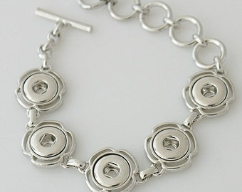 Mini Snap jewelry. 5 charm mini snap charm Bracelet, compatible with Noosa & Ginger snaps style chunk charms. Fits petite 12 mm snap charms