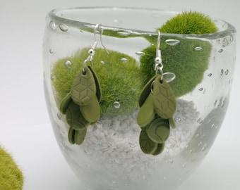 Green KHAKI impressions grafik cluster earrings