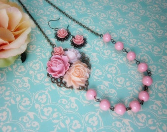Pink Roses with pink swarovski pearls Necklace and Earrings Set. Birthday. Christmas. Graduation. Wedding. Bridesmaids Gifts. Maid of Honor.