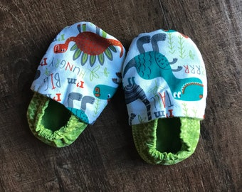 Baby booties, 12-18mo, crib shoes, toddler shoes, dinosaurs, dino shoes
