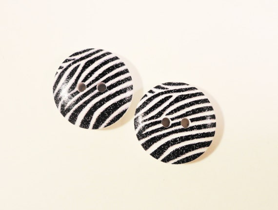 Zebra Print Buttons 18mm Black and White Wood Wooden Two (2) Hole Zebra Striped Painted Buttons for Sewing, Crafts, and Jewelry Making 10pcs
