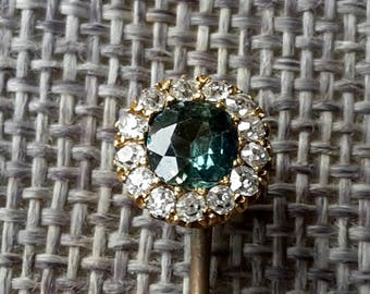 This is a stunning quality antique 15ct gold green zircon and mine cut diamonds stick pin