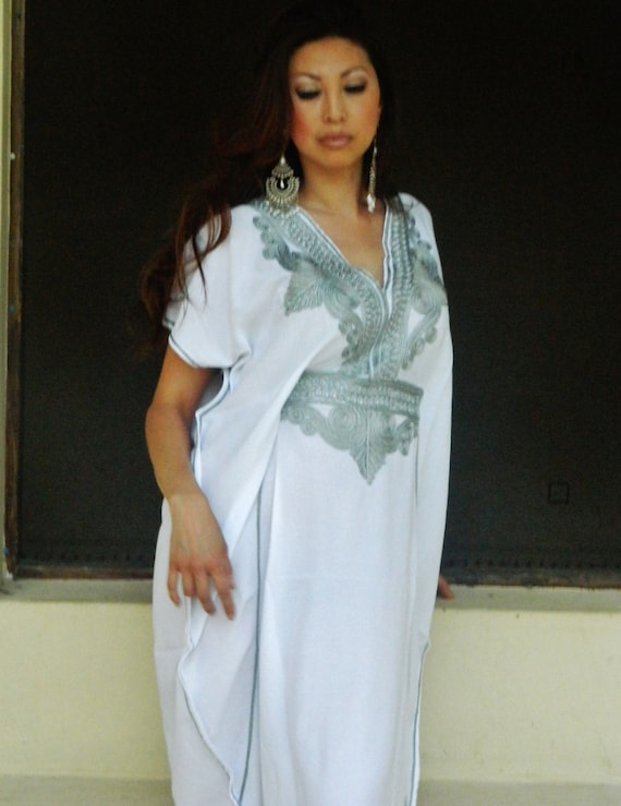 Set of 3 Bridesmaid robes,Bridesmaid gifts, White Silver Marrakech One Size Moroccan Kaftan-Beach wedding, bridal shower party, baby shower