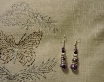Beautiful pair of earrings, purple and black mottled