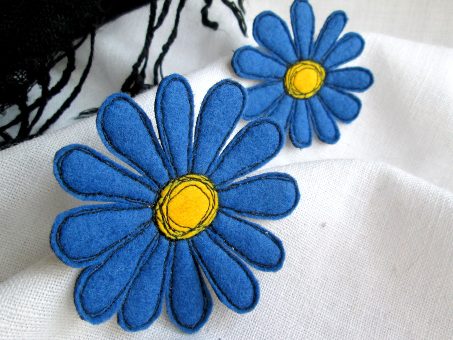 Brooch Blue Gerbera. 2in1 Set. Textile Art Felt Brooch. Free